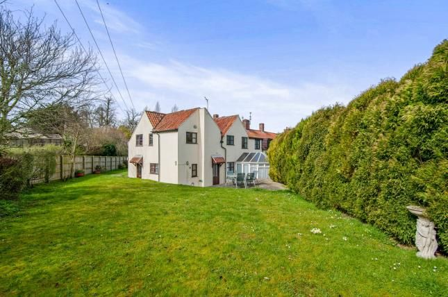Thumbnail End terrace house for sale in Thuxton, Norwich, Norfolk