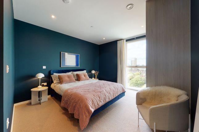 Main Bedroom of 31 Waterline Way, London SE8