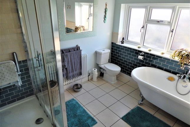 Family Bathroom of City Way, Rochester ME1