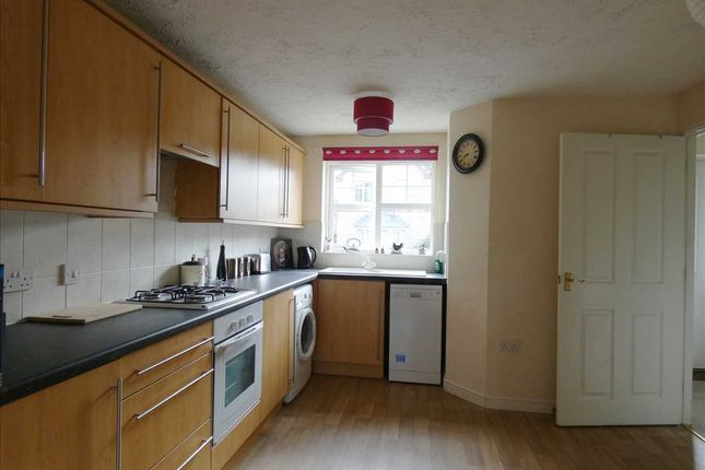 Kitchen/Diner: of Woodcross Avenue, Scunthorpe DN16