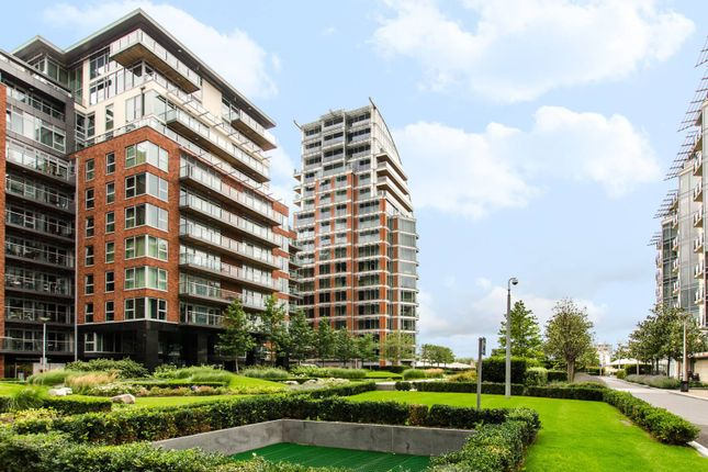 Thumbnail Flat for sale in Battersea Reach, Wandsworth Town