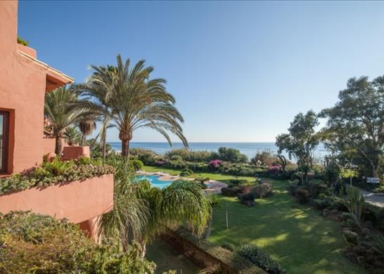 Apartment for sale in Playa Del Alicate, Spain