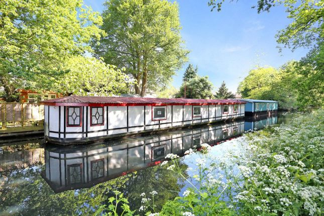 Thumbnail Houseboat for sale in Scotland Bridge Lock, Addlestone