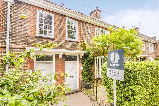 Thumbnail Terraced house for sale in Magdalen Road SW18, Earlsfield