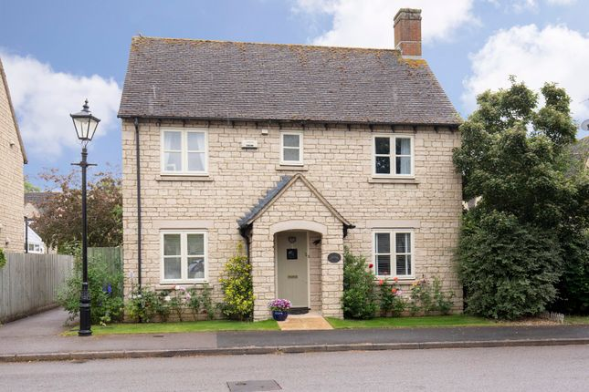 Thumbnail Detached house for sale in Woodside Drive, Bradwell Village, Burford