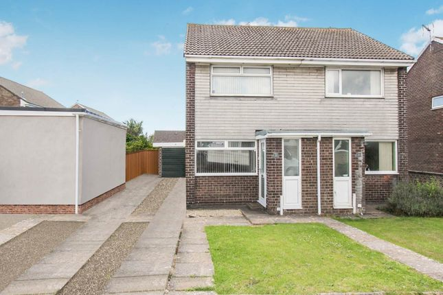 Thumbnail Property to rent in Smeaton Close, Rhoose, Vale Of Glamorgan