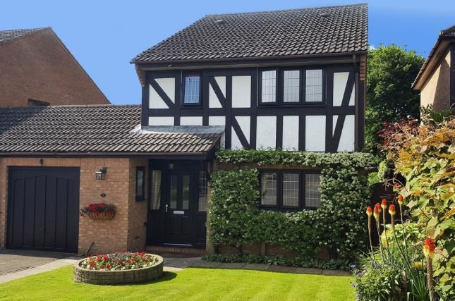 Thumbnail Detached house for sale in Locks Heath, Southampton, Hampshire