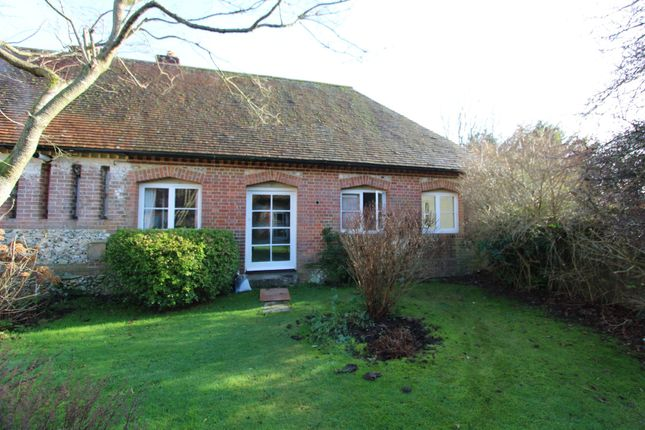 Thumbnail Barn conversion to rent in Bordean, Petersfield