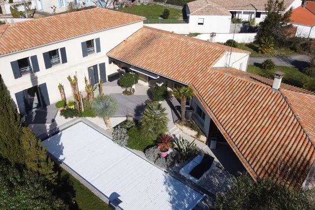 Thumbnail Villa for sale in Meschers Sur Gironde, Charente-Maritime (Royan/La Rochelle), Nouvelle-Aquitaine