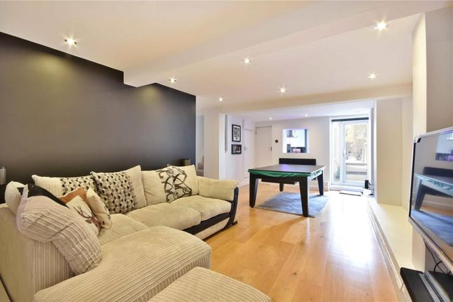 2 bed flat for sale in Hemstal Road, West Hampstead