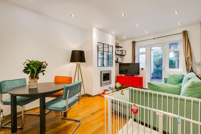 Thumbnail Bungalow to rent in Grove Park Gardens, London