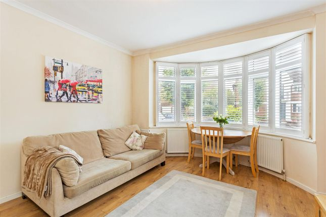 2 bed flat for sale in Camberley Avenue, West Wimbledon