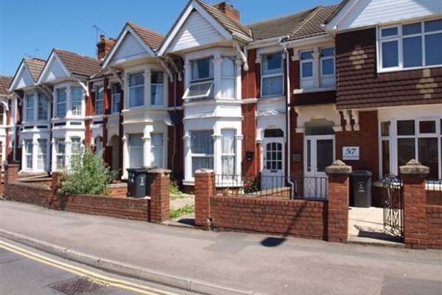 4 bed flat for sale in County Road, Swindon SN1