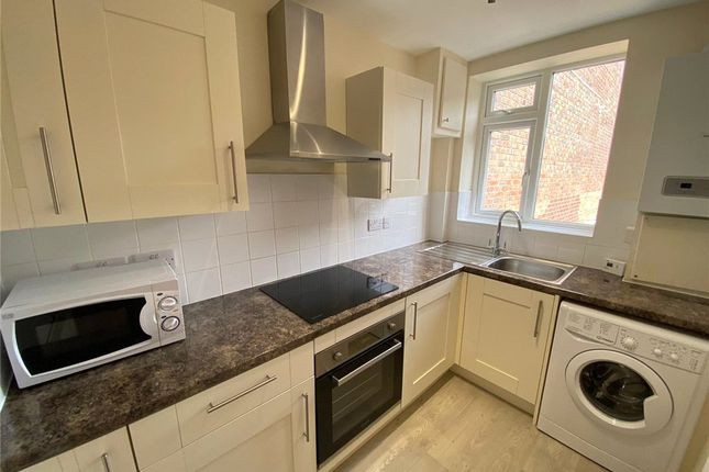 Thumbnail Flat to rent in South Street, Dorchester, Dorset