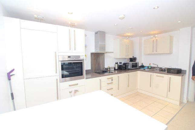 Thumbnail Flat to rent in Trawler Road, Maritime Quarter, Swansea