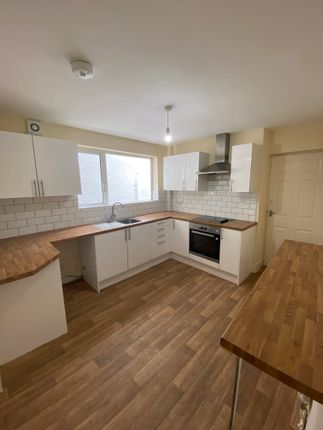 4 bed terraced house to rent in Morgans Road, Neath SA11