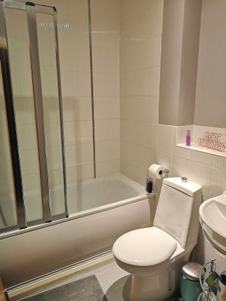 Main Bathroom of Pavilions Way, Gosport PO12