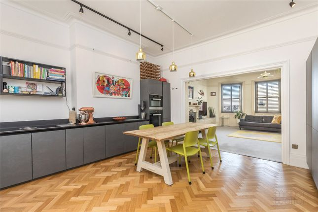 4 bed flat for sale in Brunswick Place, Hove BN3