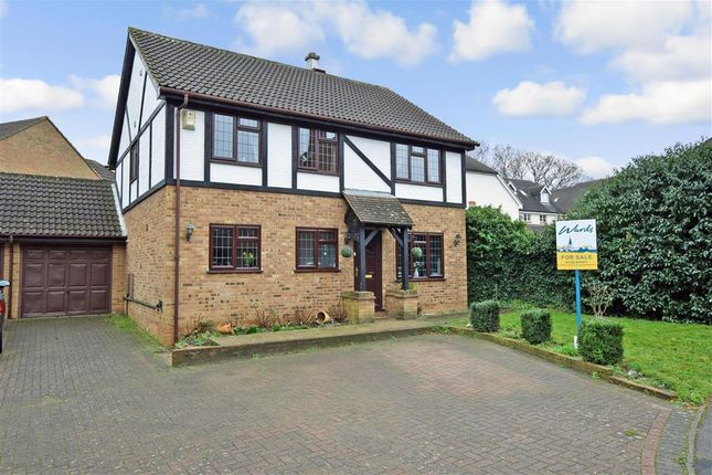 Thumbnail Detached house for sale in Baywell, Leybourne, Kent
