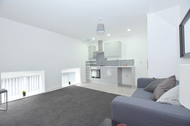 2 bed flat to rent in The Warehouse, Lower Foundry Street, Stoke-On-Trent