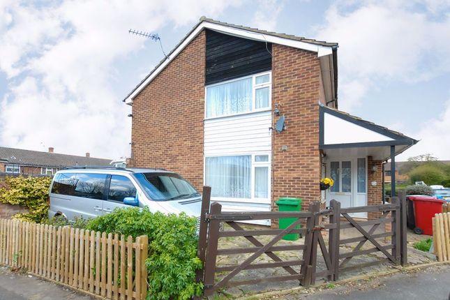 Thumbnail Property to rent in Farnham Road, Farnham Royal, Slough