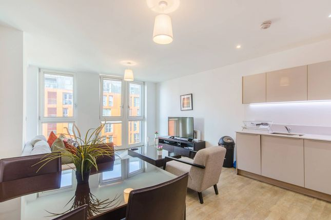 Thumbnail Flat to rent in Cable Walk, Greenwich