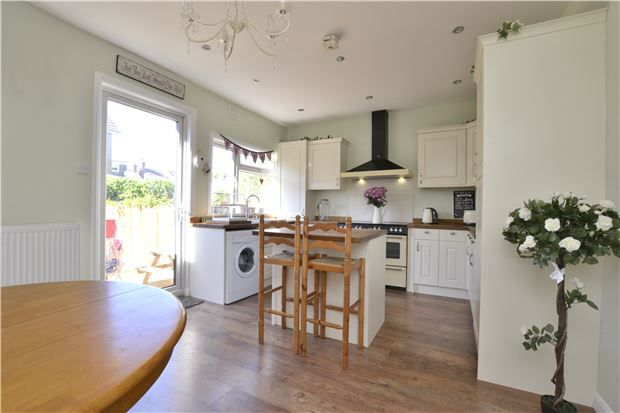 Thumbnail Terraced house for sale in Hillside Avenue, Purley
