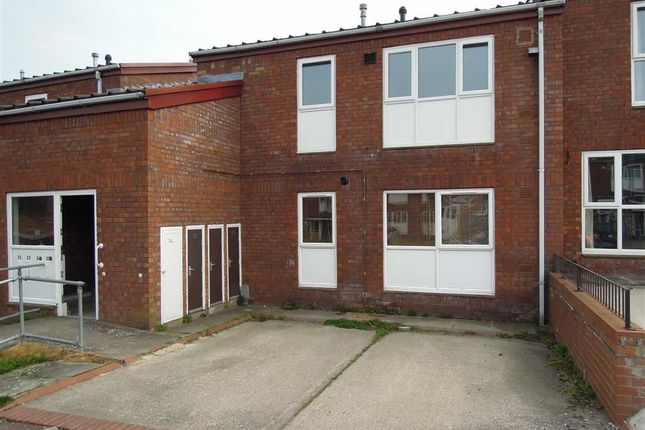 Thumbnail Flat to rent in 34, Lon Maesycoed, Maesydail, Newtown, Powys