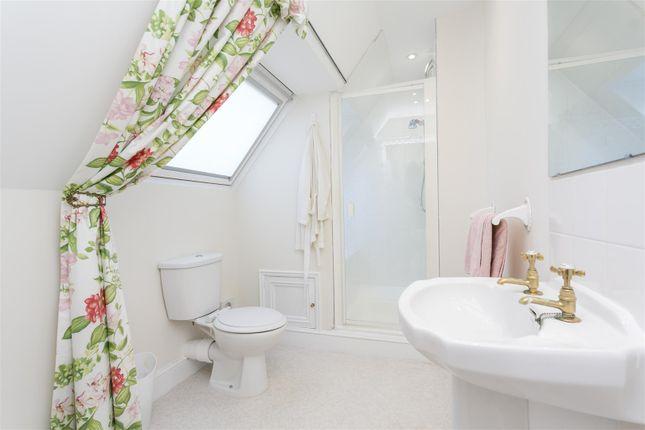 Second Floor Bedroom En Suite