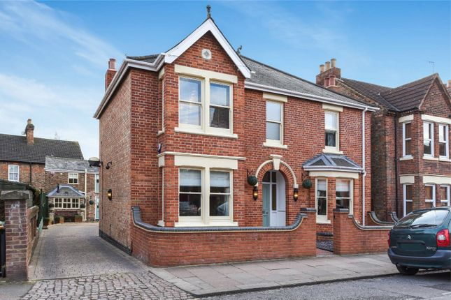 Thumbnail Detached house for sale in Castle Road, Bedford