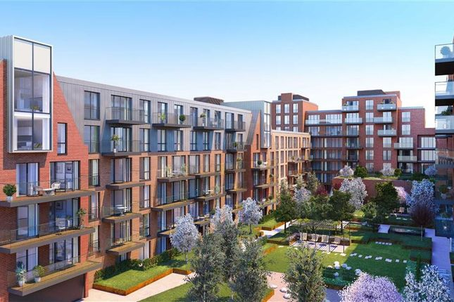 Thumbnail Flat for sale in Streatham Hill, London