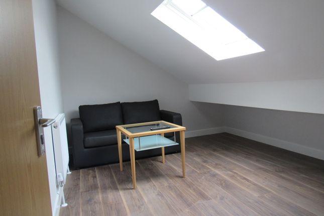 2 bed flat to rent in Hawkins Street, Preston