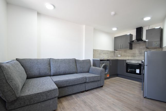 Studio to rent in North Road, Cardiff CF14