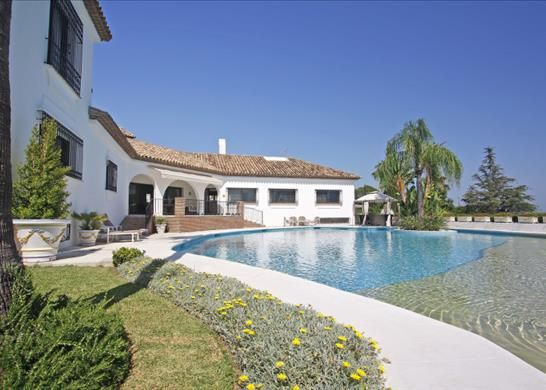 Detached house for sale in Estepona, Málaga, Spain