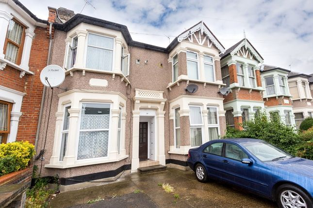 1 bed flat to rent in Royston Parade, Royston Gardens, Ilford