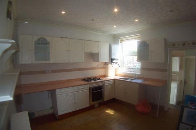 2 bed property for sale in Humberstone Road, Plaistow, London