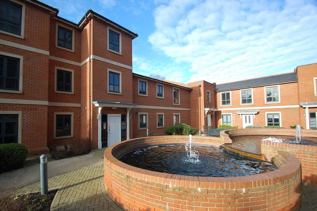 Thumbnail Flat for sale in Castle Road, Colchester