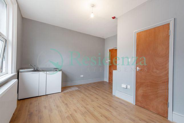 Room to rent in Beechwood Road, Caterham CR3