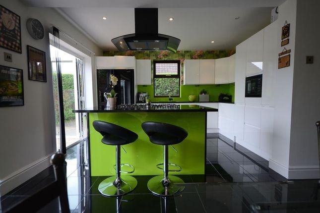 Thumbnail Detached house to rent in Lent Rise Road, Burnham, Slough
