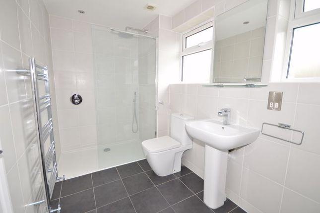Bathroom (With Bath & Shower)