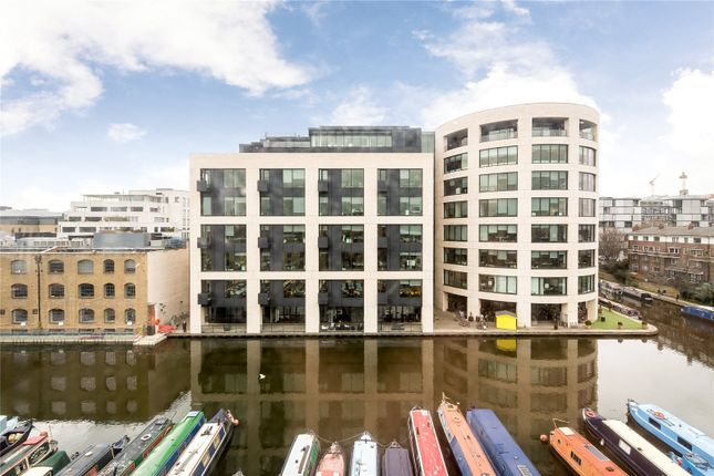 Thumbnail Flat for sale in Albert Dock, London