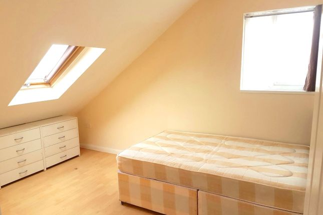 Thumbnail Shared accommodation to rent in Townsend Road, Southall, Middlesex