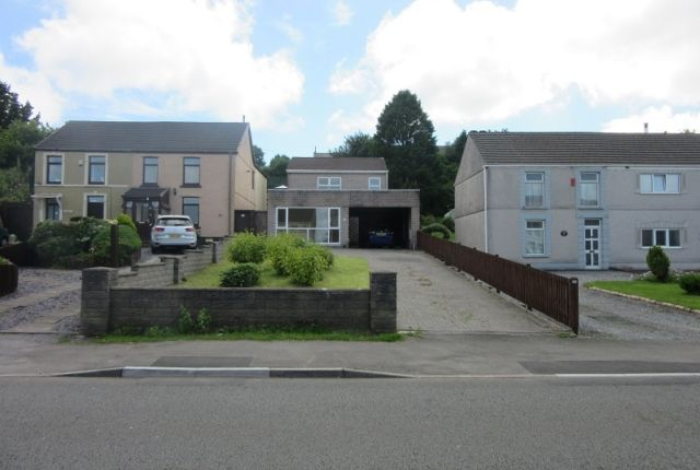 Thumbnail Detached house to rent in Victoria Road, Waunarlwydd, Swansea.