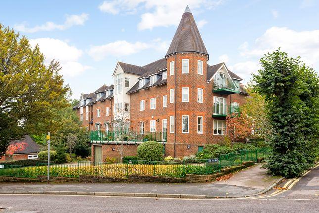 Thumbnail Flat to rent in Lime Tree Walk, Sevenoaks