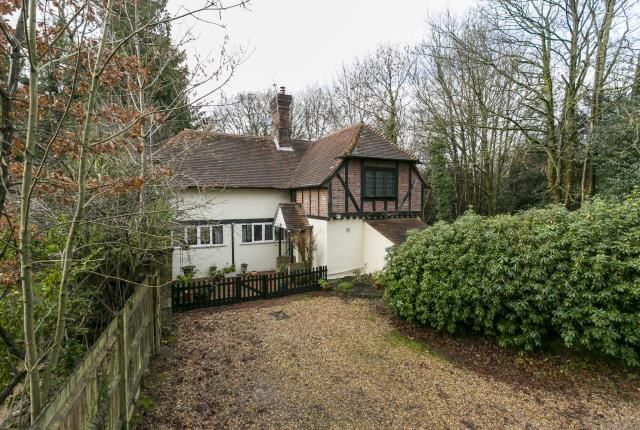 4 bed detached house for sale in Budletts Lane, Maresfield, Uckfield, East Sussex TN22