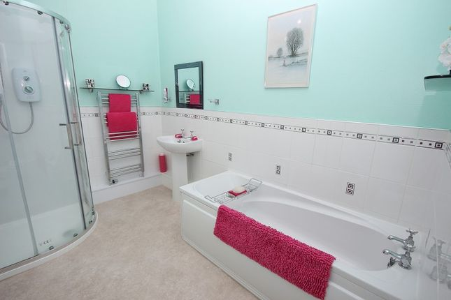 Bathroom of 25 Charles Street, Crown, Inverness IV2