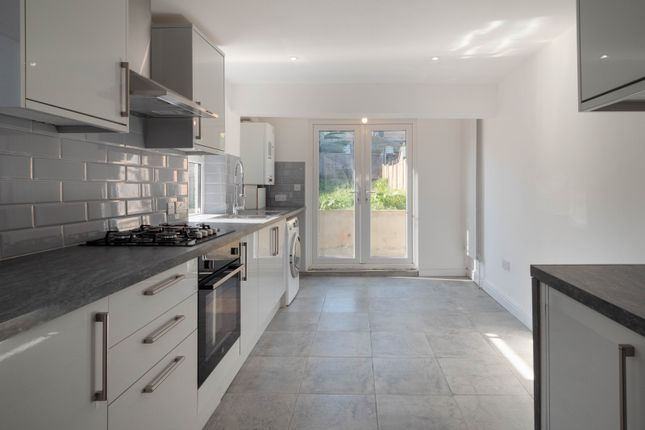 Thumbnail End terrace house to rent in Apsley Road, London