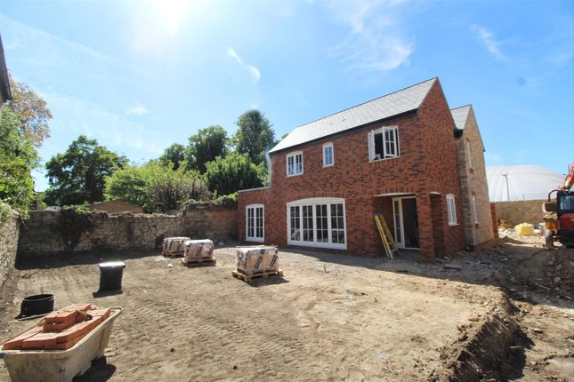 Thumbnail Detached house for sale in Vicarage Road, Stony Stratford, Milton Keynes