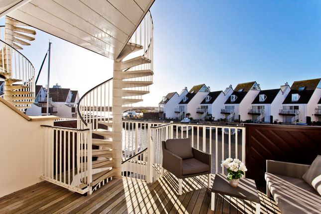 Thumbnail Town house for sale in Priory Quay, Christchurch, Dorset