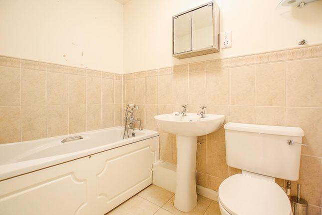 Bathroom of Cudworth Drive, Mapperley, Nottingham NG3